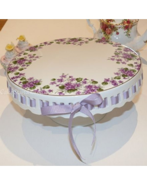 (SOLD) RIBBON CAKE STAND